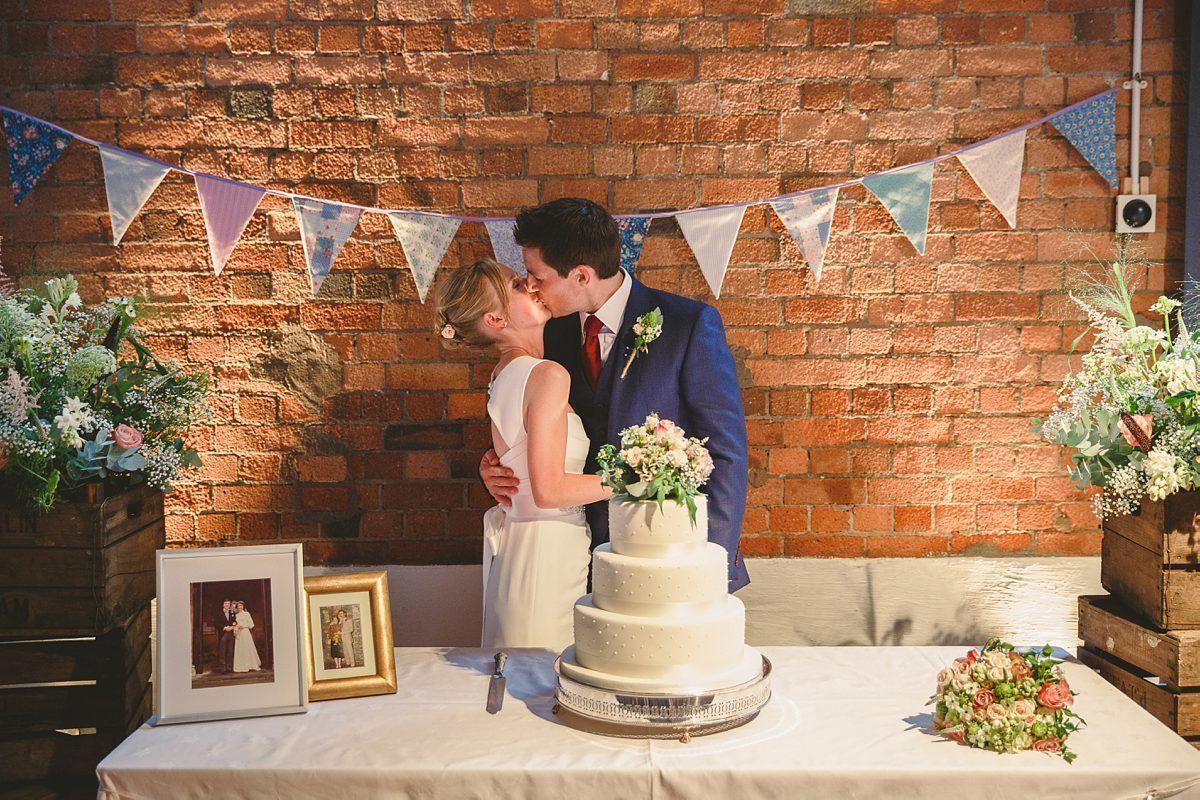wedding-photos-paintworks-bristol-30