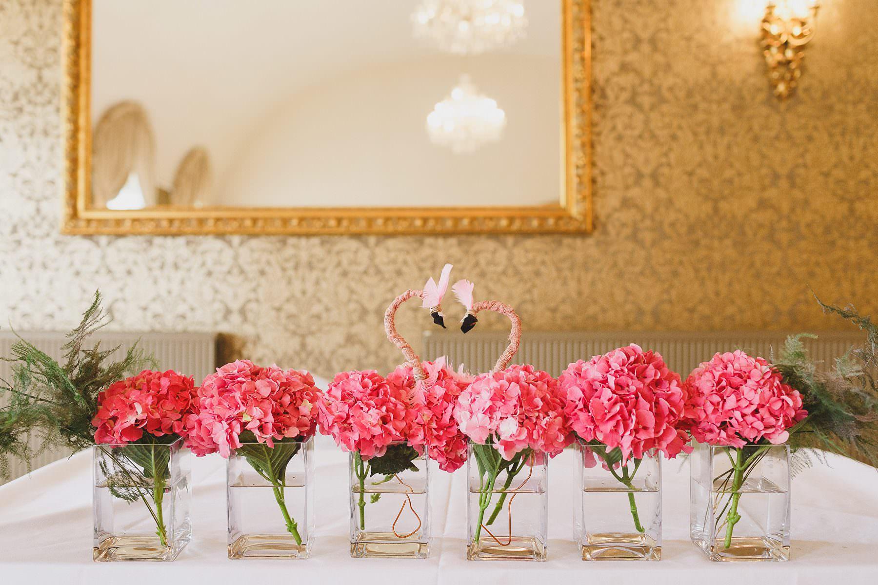 wedding flowers flamingos