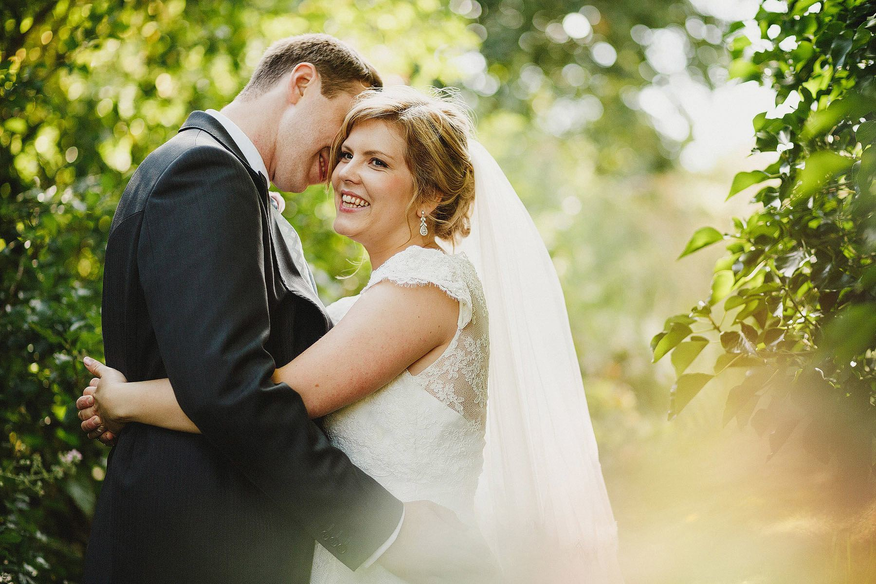 clavelshay barn wedding photographers