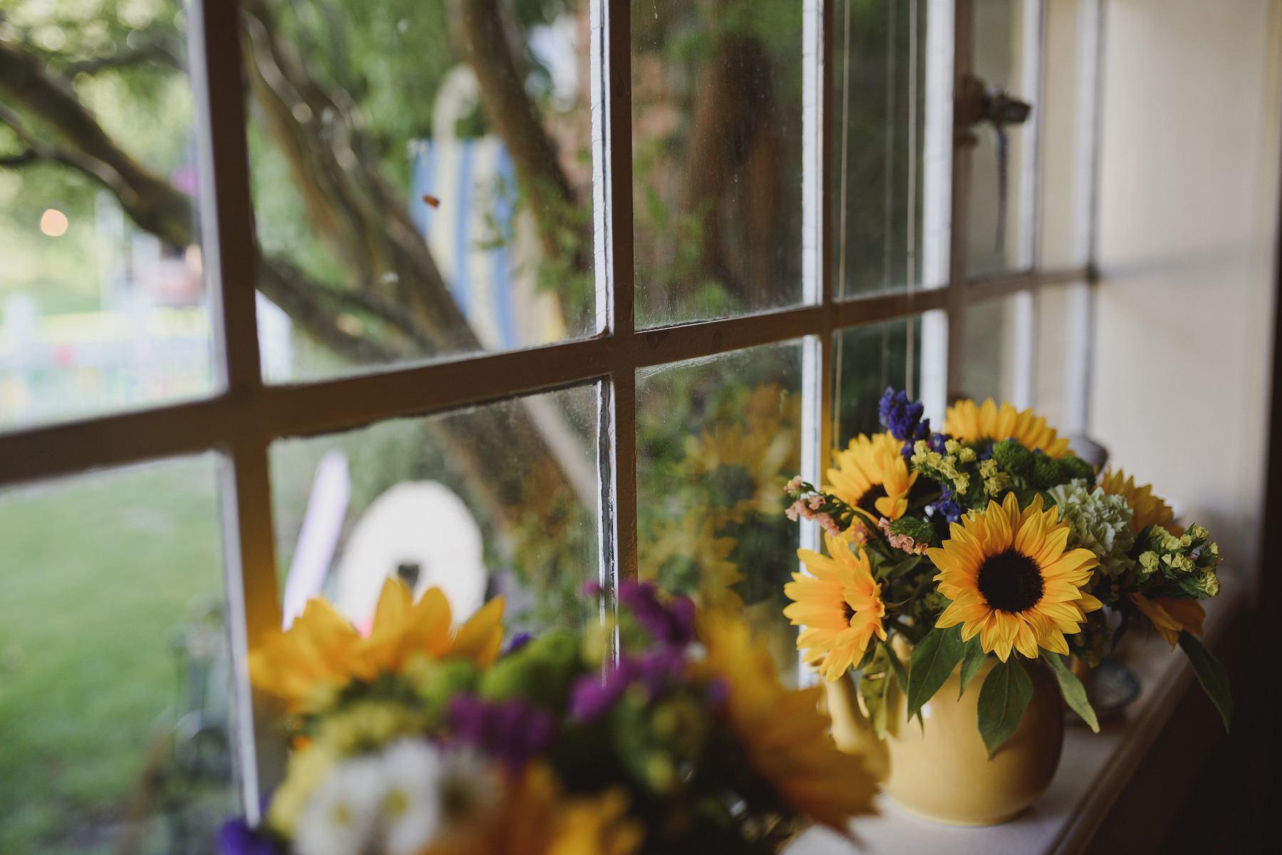 sunflowers wedding flowers