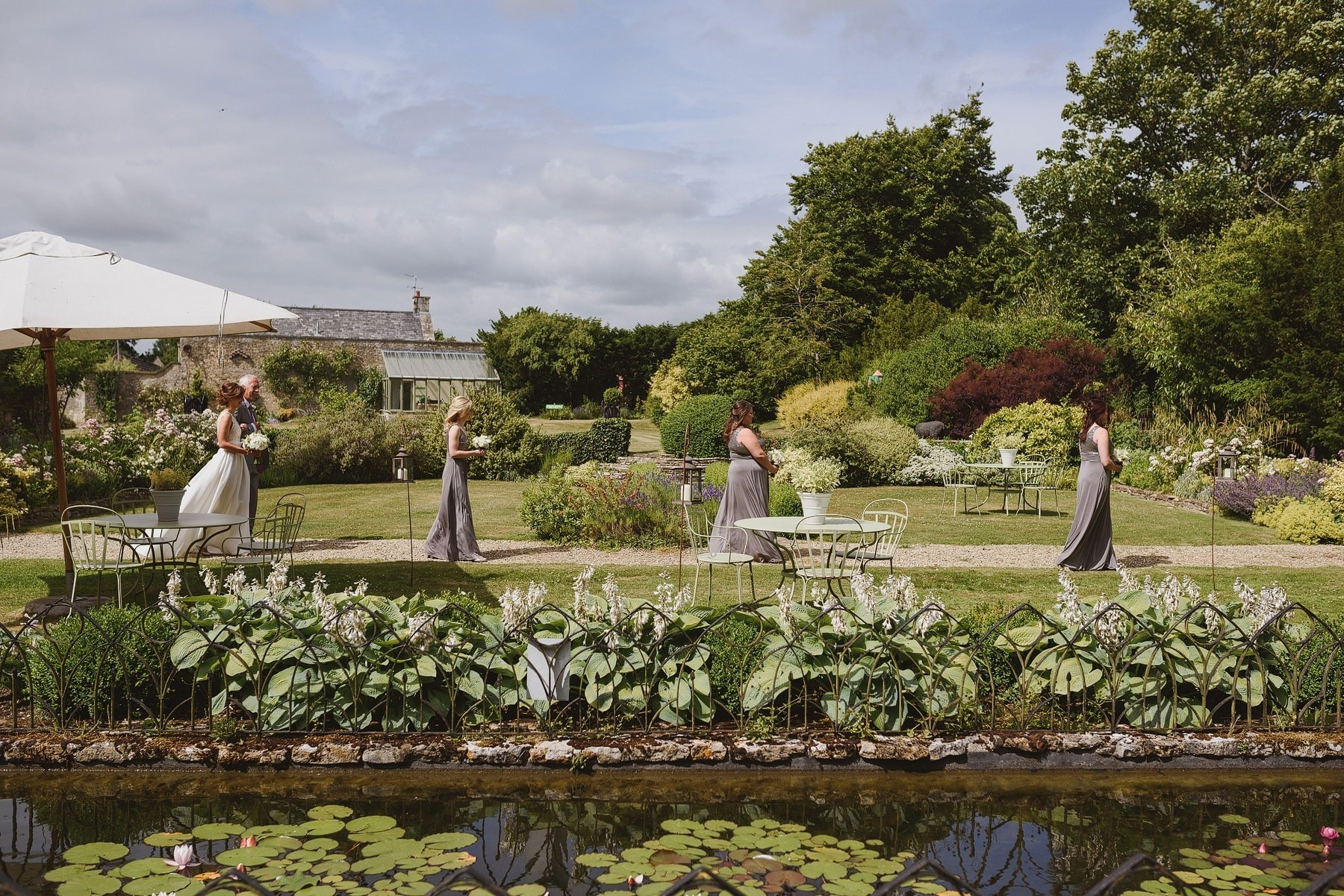 cotswolds wedding at the rectory in crudwell