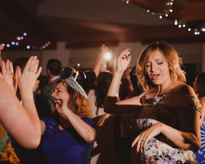 aldwick court wedding dancing
