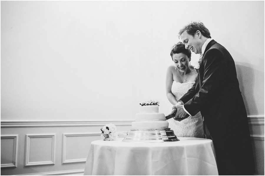 professional documentary wedding photographers