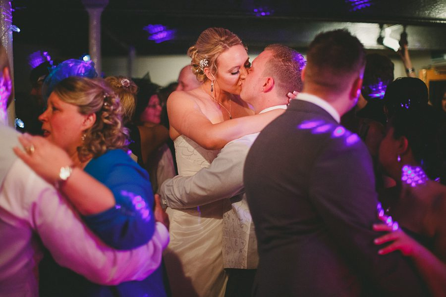 wedding dancing at river cottage
