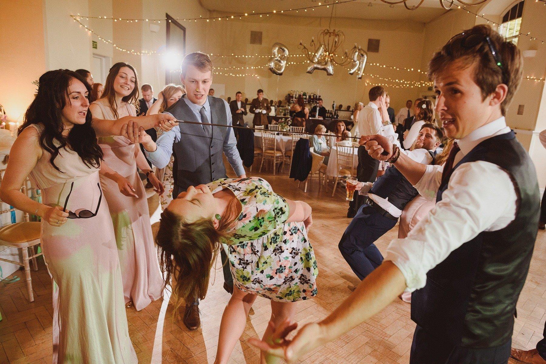 wedding photographer kilver court gardens