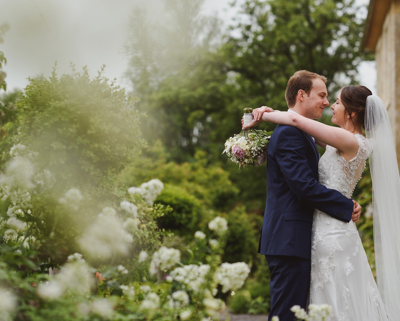 wedding at oxleaze barn