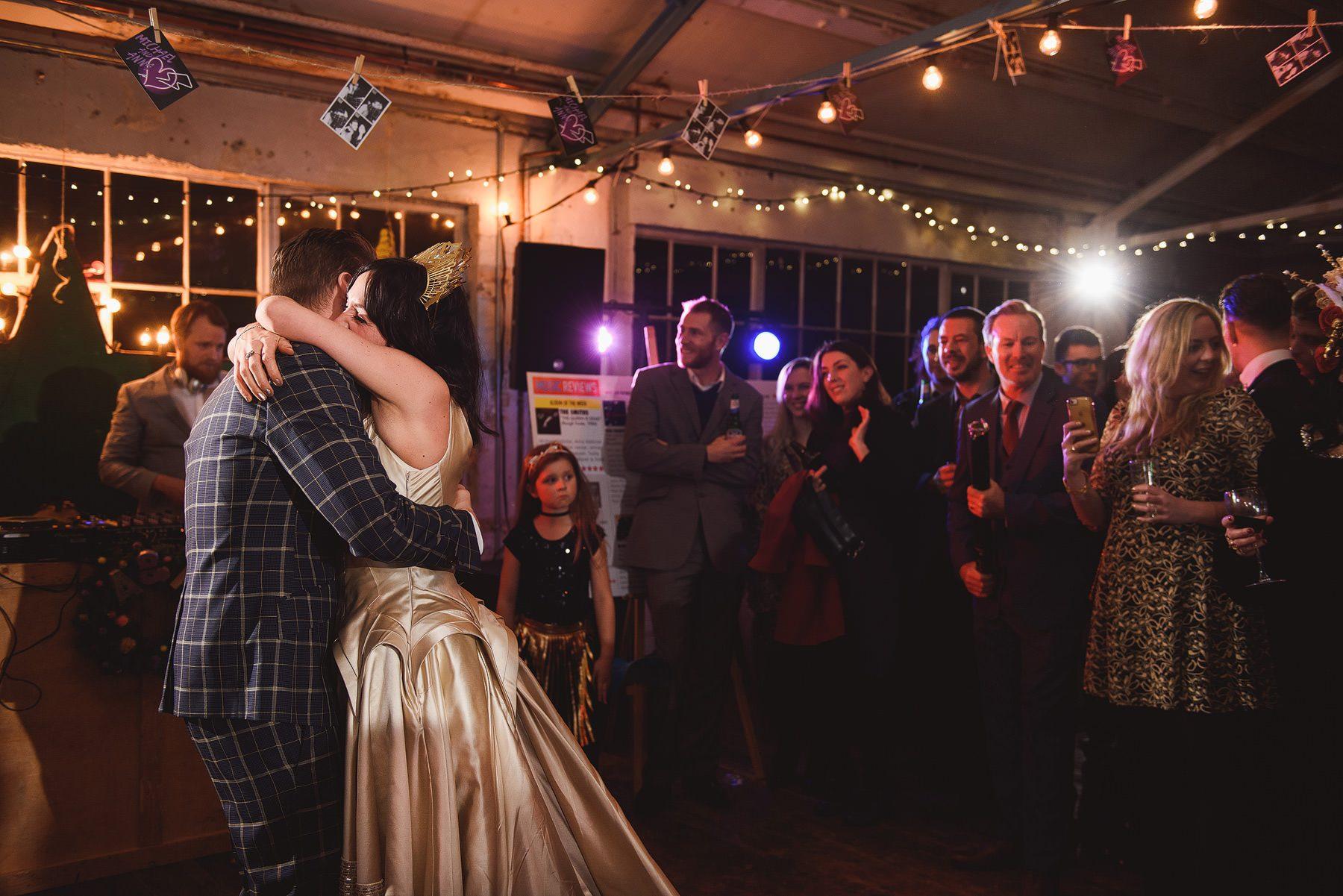 confetti bomb first dance