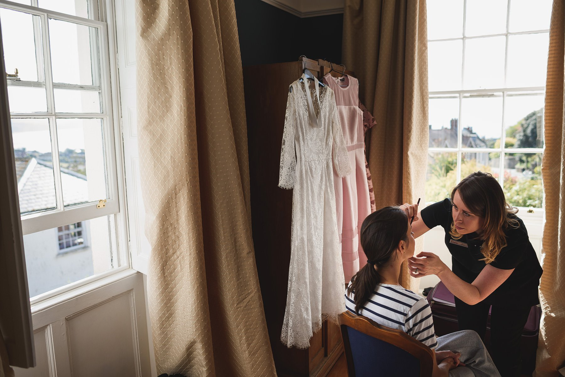 river cottage bride getting ready for wedding