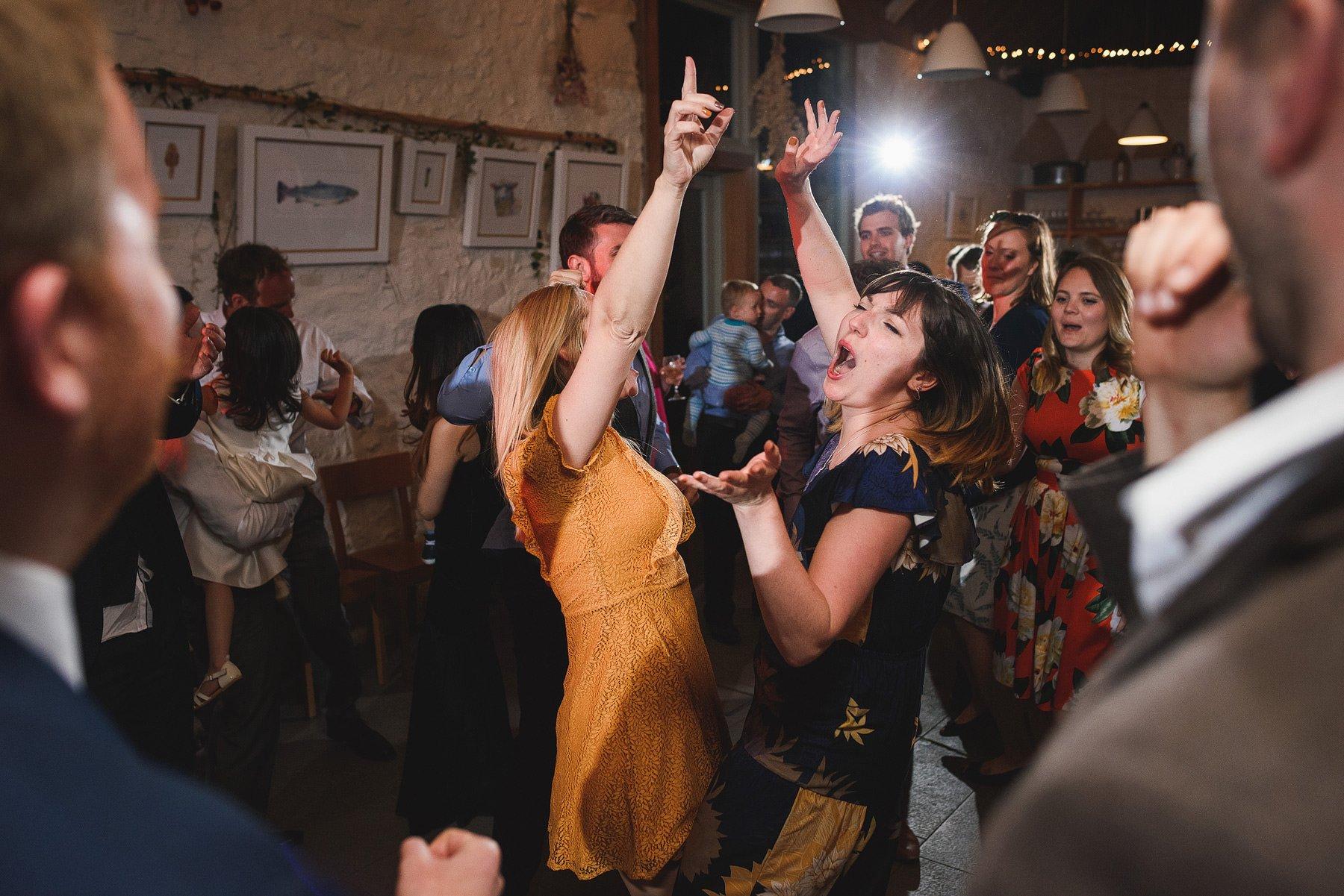 river cottage wedding dancing