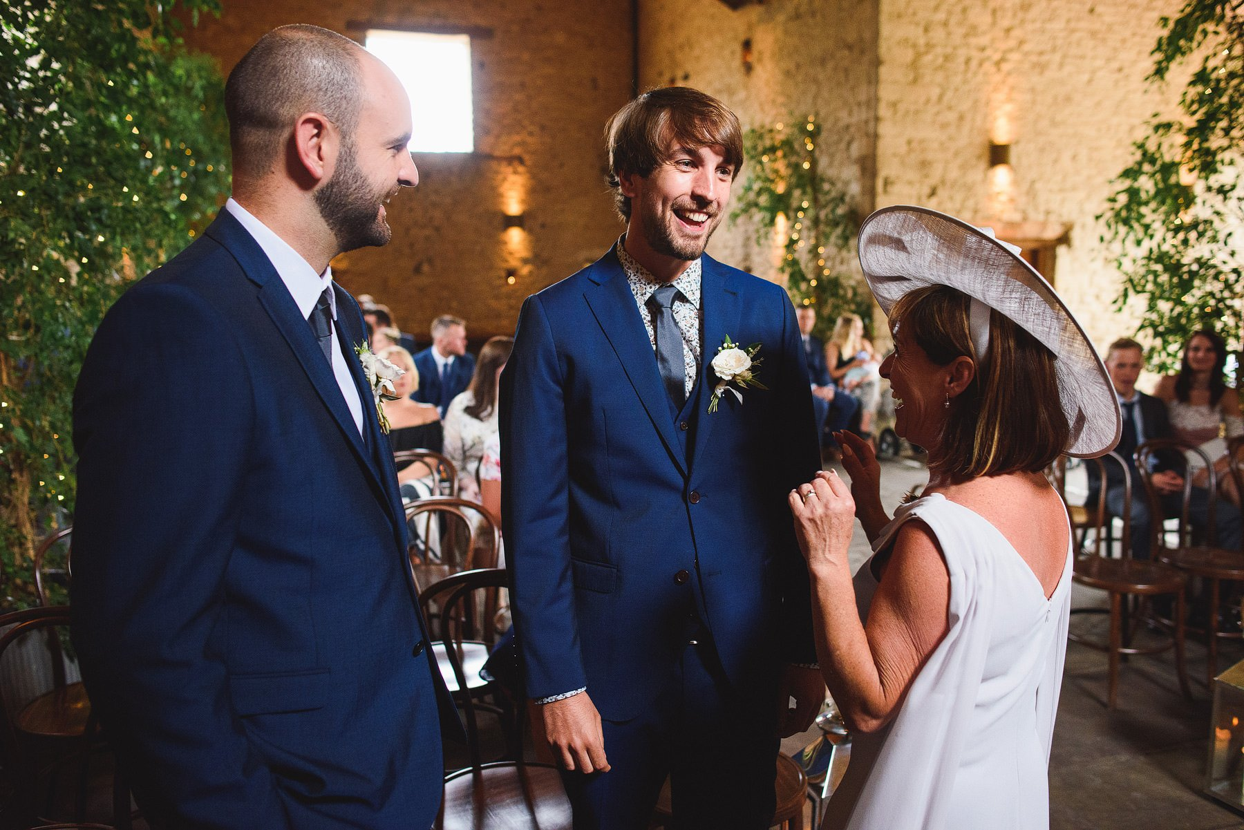 a cotswolds wedding at cripps barn