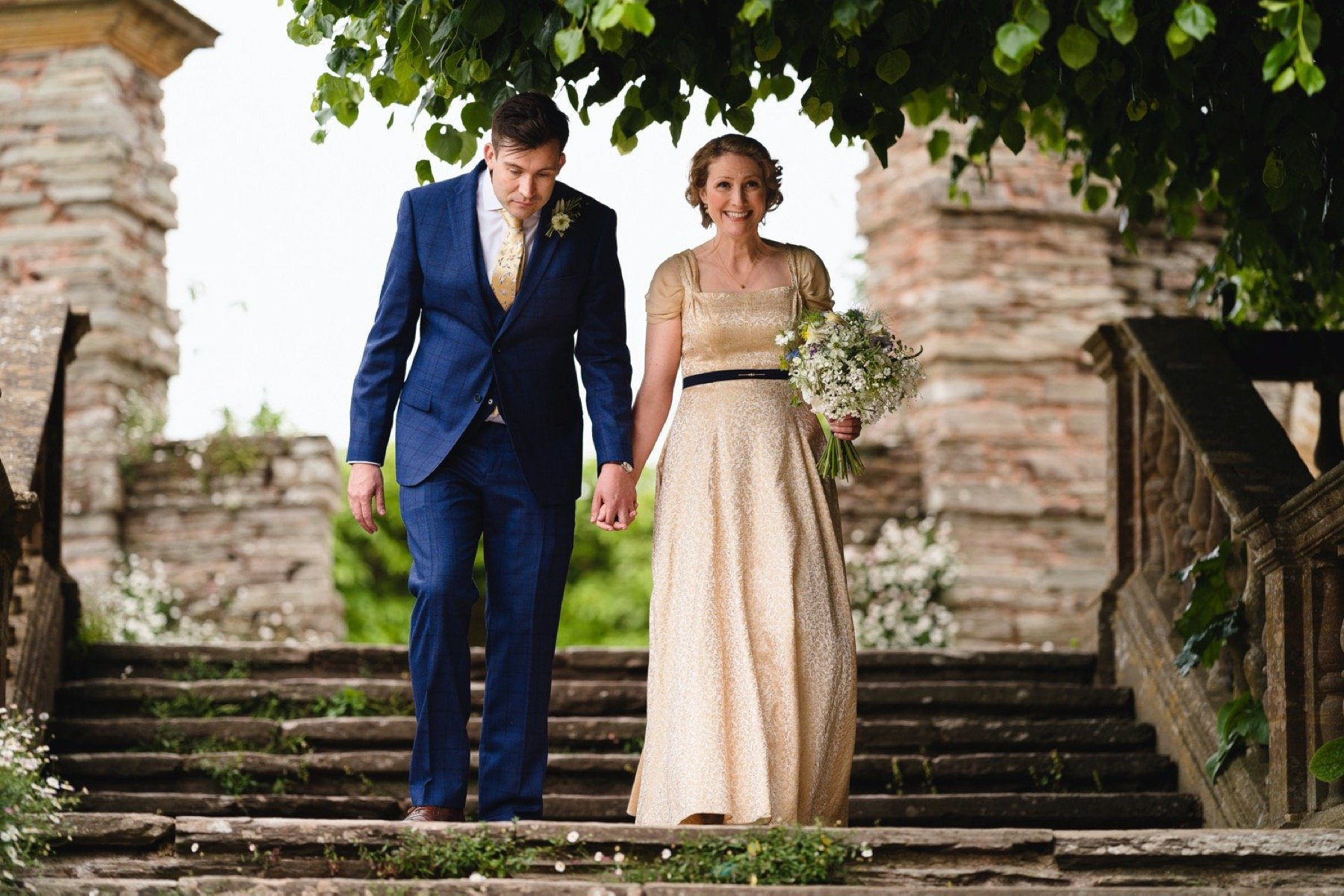 bride and groom arriving at hestercombe gardens